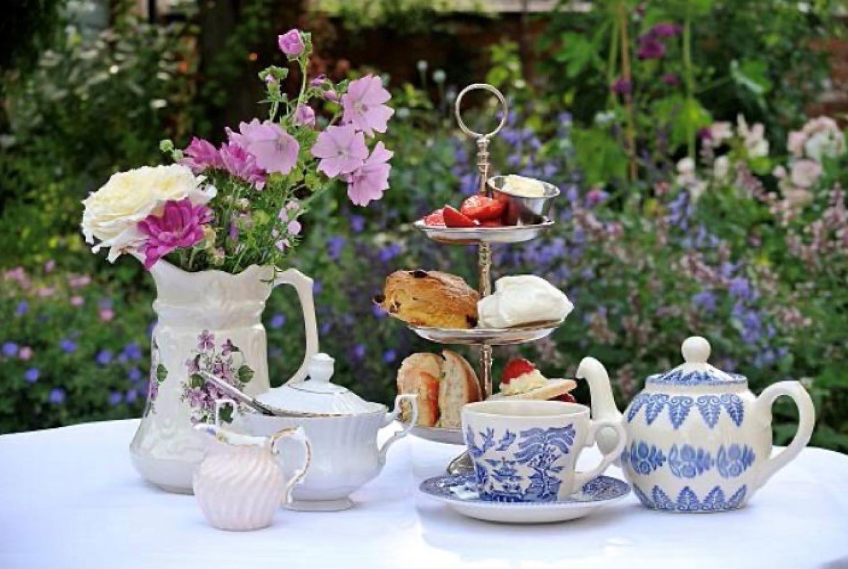 Tea-Etiquette